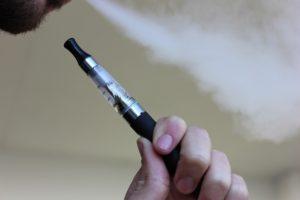 09-34-39-e-cigarette-1301664_1280